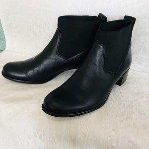 Munro ANA booties